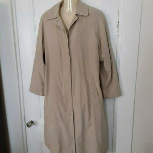 London Fog trench coat M Petite tan soft fabric